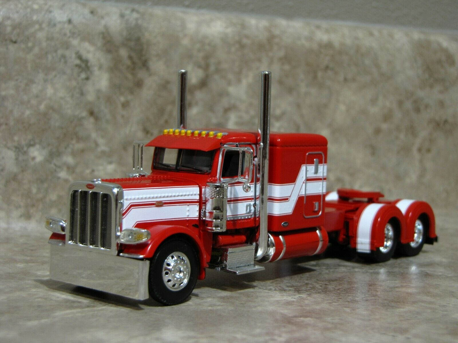 DCP 1/64 Red White Flattop Peterbilt 389 Semi Truck Farm Toy
