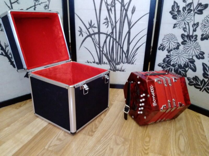 Bonetti 20-Button Concertina (RED) with PADDED Case; Never played; No flaws