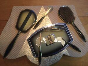 Ensemble vintage de beauté / Vintage Dresser Brush Set