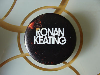Bundle: Ronan Keating : MP3 Badge Player, 4 Concerts Live in 2013