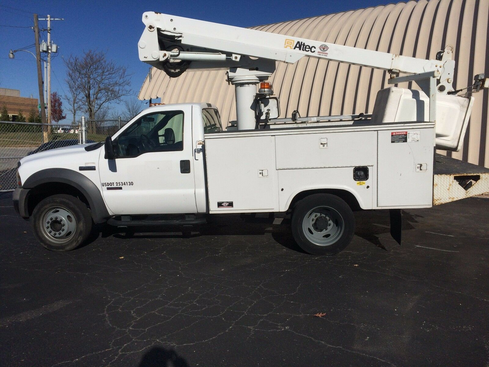 2005 ford f 450 super duty altec at235 bucket boom truck under cdl for sale in lee 39 s summit. Black Bedroom Furniture Sets. Home Design Ideas