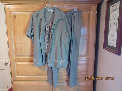 Woman's Cabin Creek 2 Piece Outfit. Green Safari Elastic - Safari Outfit For Women
