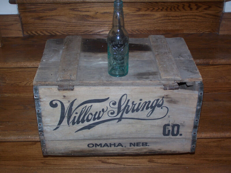 Willow Springs wooden beer crate and beer bottle - Omaha NE