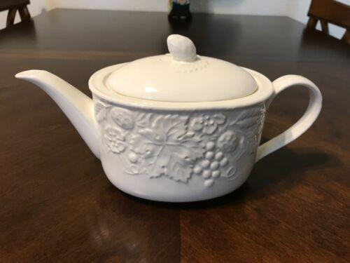 Mikasa ENGLISH COUNTRYSIDE Tea Pot