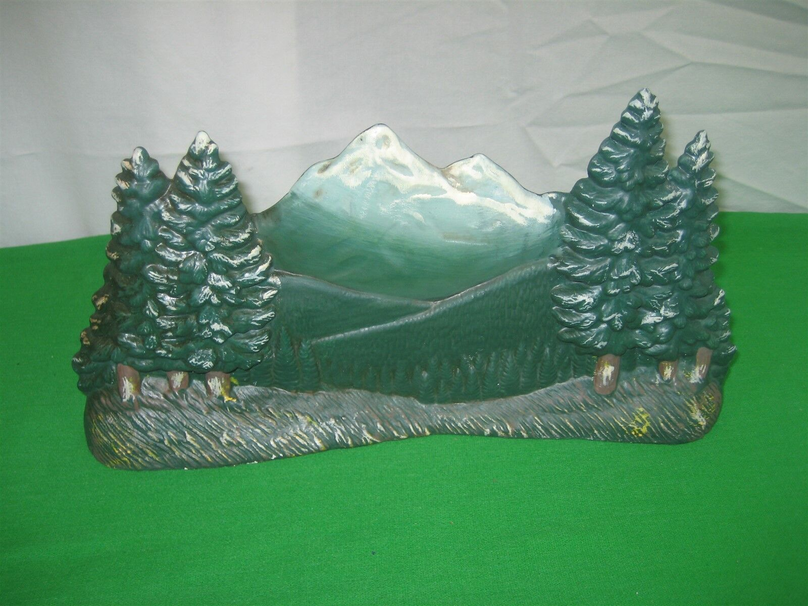 upc 039934000657 1994 ceramic mountain scene with fir trees green