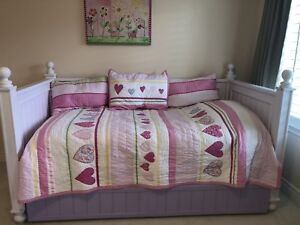 Solid Wood Twin White Bed frame with Trundle drawer