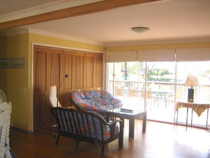 Bi-Fold Wooden Doors (6 Panels) for Separating Rooms