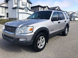 2007 Ford Explorer V8 *** Low Km ***