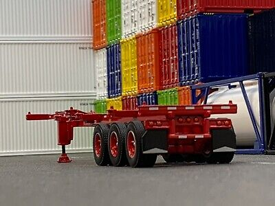 1/64 DCP RED 40' TRI AXLE CONTAINER TRAILER
