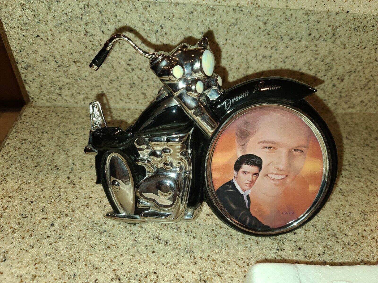 EP-17 Elvis Presley 2002 -Bradford Exchange Dream Maker - $45.00