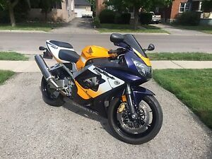 Very Clean CBR 929rr - certified