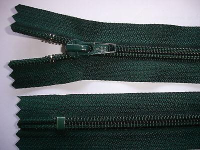 2 Stück Reißverschluß YKK dunkelgrün 28cm lang, nicht teilbar Y119