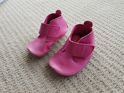 """Bobux Soft Sole """"Desert"""" Dark Pink Leather Baby Shoes With Suede Soles Size M"""