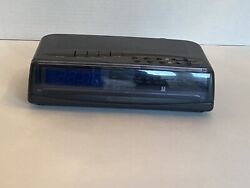 Vintage Radio Shack Red LED dual alarm am/fm clock radio Chronomatic 295