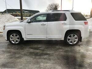 2013 GMC Terrain Denali, only 48,000 kilometers!