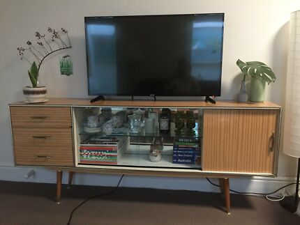 Retro sideboard/buffet