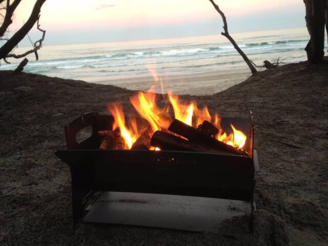 Fire pit camping 4wd garden deck outside flat pack quick for Garden decking gumtree