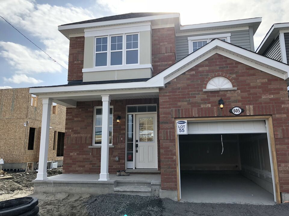 Brand New 4 Bedrooms, AC, upgrade kitchen, 1900 sq ft. Canadian Real ...