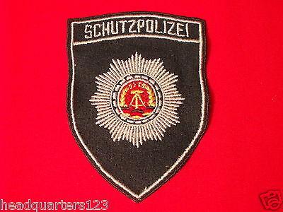 """VP MdI DDR Polizei Ärmelabzeichen: """" Schutzpolizei """" für Dienstjacke,grün"""