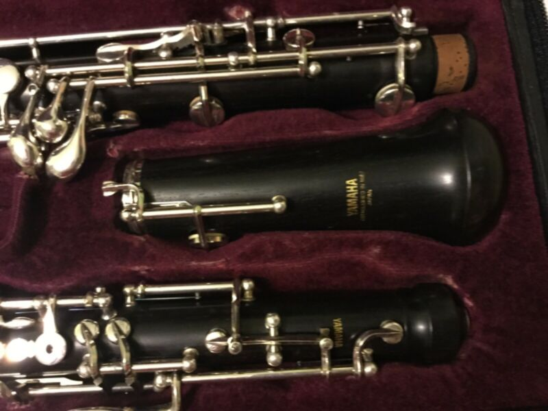 Yamaha 411 wooden instrument Intermediate oboe for students