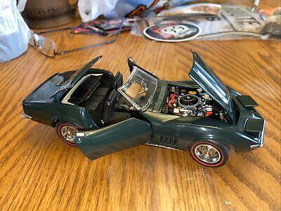 Danbury Mint 1/24 Scale Model Car 1412IR1 - 1968 Chevrolet Corvette - Green