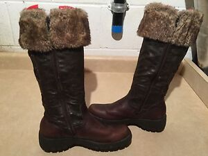 Women's Tall Brown Insulated Boots Size 8.5 London Ontario image 2