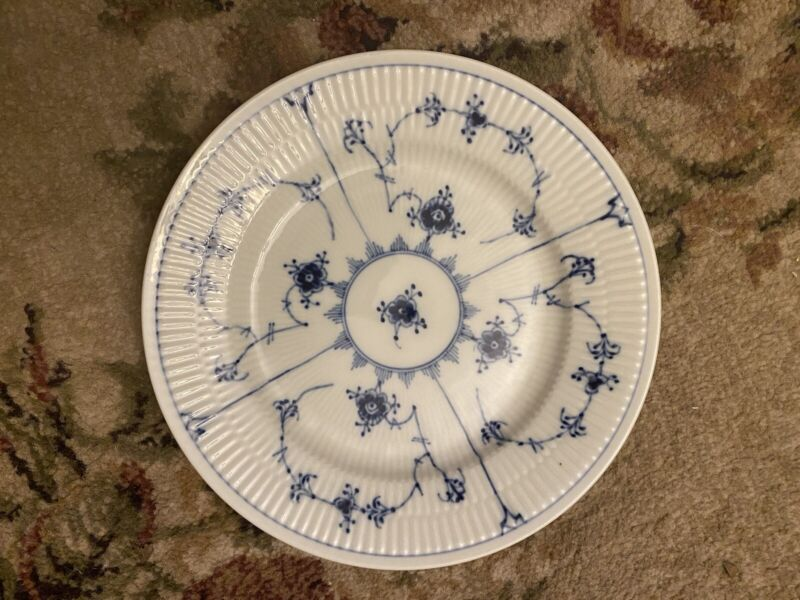 """1 BLUE FLUTED PLAIN by ROYAL COPENHAGEN 7 3/4"""" Salad Plate 1/179  - Mint!"""