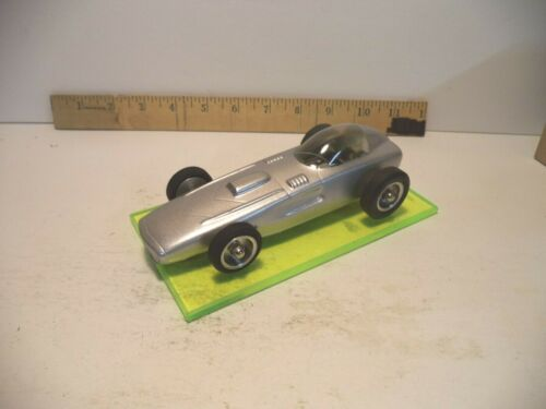 1/24 scale  slot car  Lunar