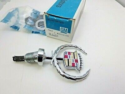 New GM NOS 1989 - 1993 Cadillac Deville Fleetwood hood ornament emblem crest