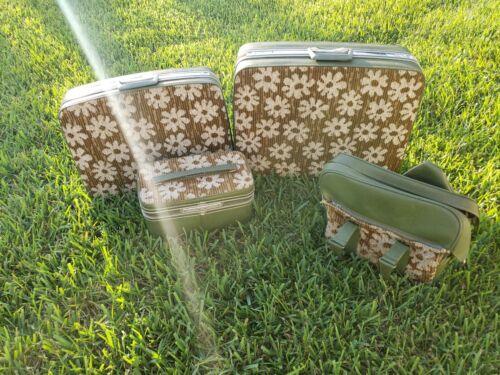 Vintage Samsonite Fashionaire Mod Hippy Daisy Flower Set Of 4 Luggage Green