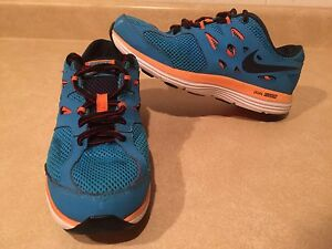 Youth Nike Dual Fusion Lite Running Shoes Size 6 Y