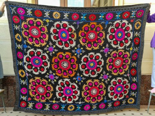 GORGEOUS Silk Suzani wall hanging Vintage Uzbek silk handmade embroidery bedding