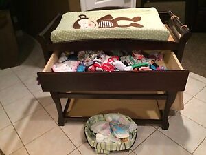 Espresso change table with change pad and 3 covers