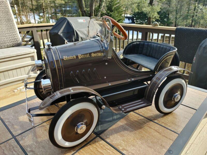 Rare U.P.S. Corporate Express Promotional Peddle Car # 527