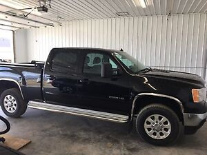 2013 gmc 2500hd slt duramax only 17k one owner mint