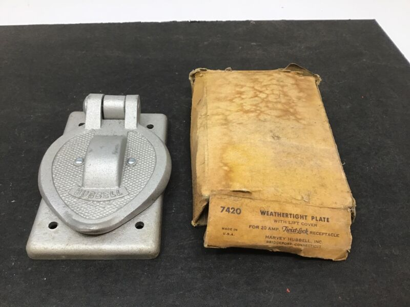 NOS Hubbell 7420 Weatherproof Cover Cast Aluminum Weatherproof 20 Amp Twist Lock
