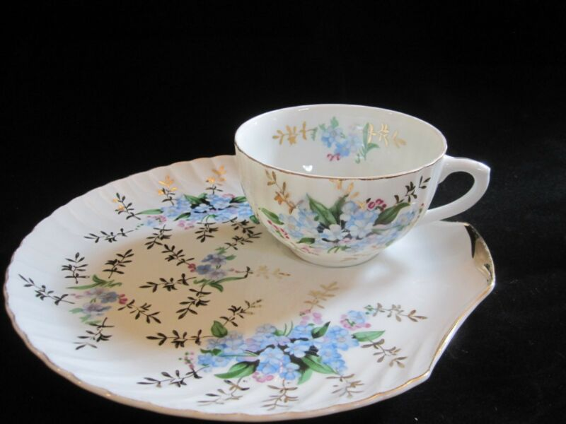 Blue Flower Forget-me-not - Snack Luncheon Tea Cup and Clam Plate