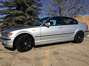 AWESOME 02 BMW 325 XI AWD