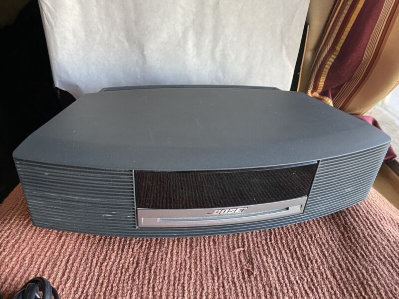 BOSE Wave Music System CD Player W/Remote works
