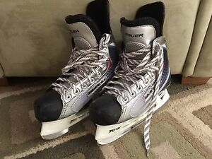 Youth Hockey Skates - Size 3.5