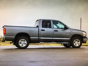 = DODGE RAM, 4x4, Hemi, Low km, BEST DEAL