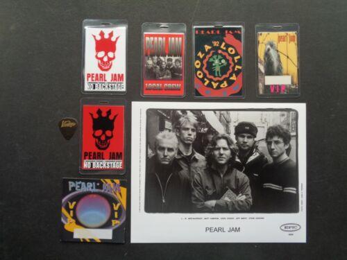 PEARL JAM,B/W Promo Photo,6 RARE Original Backstage Passes,Guitar pick