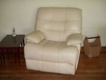 2 offwhite/cream electric recliners St Georges Burnside Area Preview