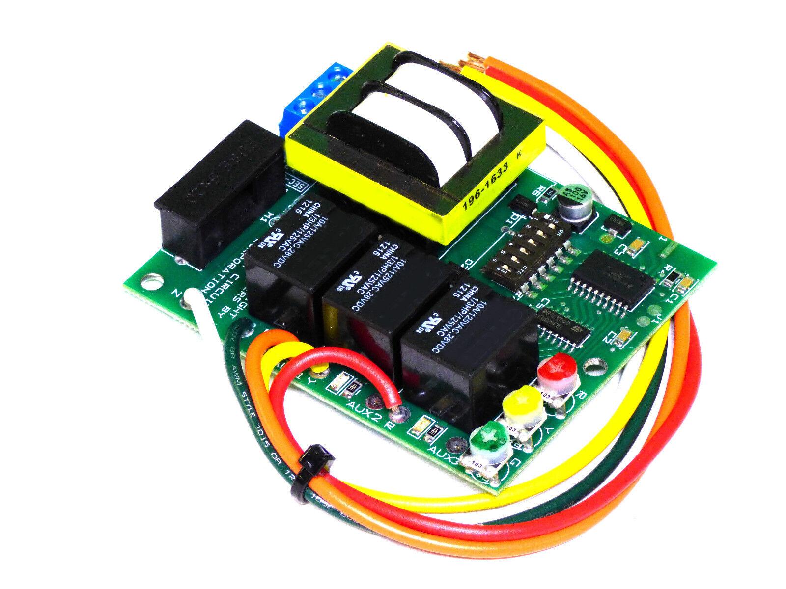 Traffic Light Controller &  Sequencer  3 Lite  Sl-3008 120 V., Sl-3009 240 V.