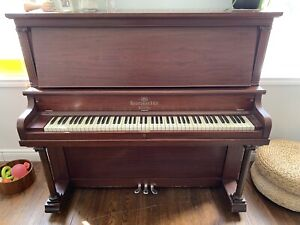 Heintzman & Co Piano w. bench  *FREE*