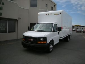 2017 GMC Savana 16' Commercial Cube Van with Rear Loading Ramp a
