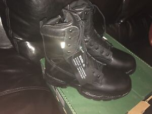 NEW DANNER Work boots size 11 us