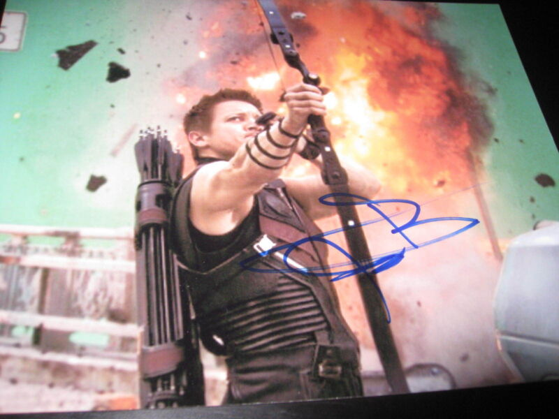 JEREMY RENNER SIGNED AUTOGRAPH 8x10 PHOTO AVENGERS PROMO IN PERSON COA NY P