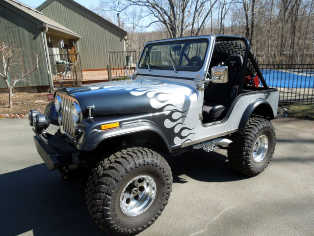 Imagen 1 de Jeep CJ  silver