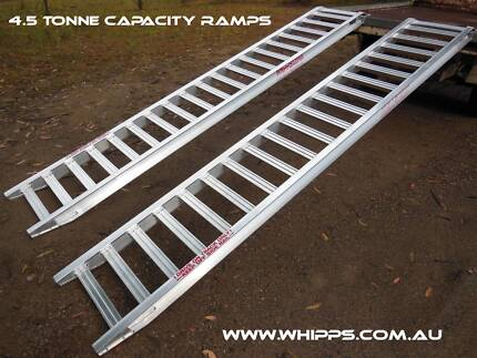 Loading Ramps 4.5 tonne capacity 3.6 metres x 400mm track width